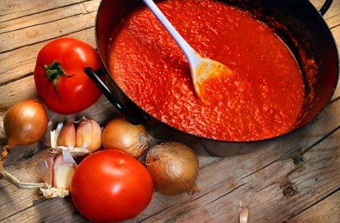 sous-iz-pomidor-na-zimu