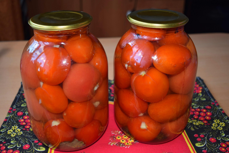zasolka-pomidor-s-chesnokom